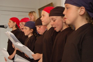 Cobh Youth Services - young shanty singers 2006
